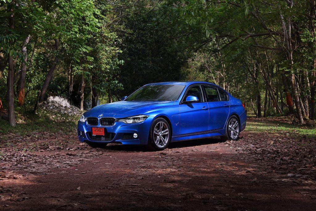 BMW 330e M sport 2018-1.jpg