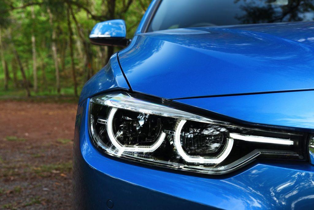BMW 330e M sport 2018-7.jpg