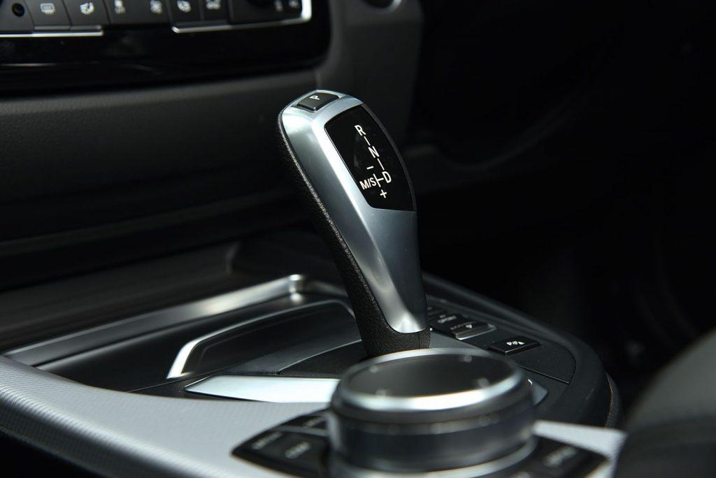 BMW 330e M sport 2018-5.jpg