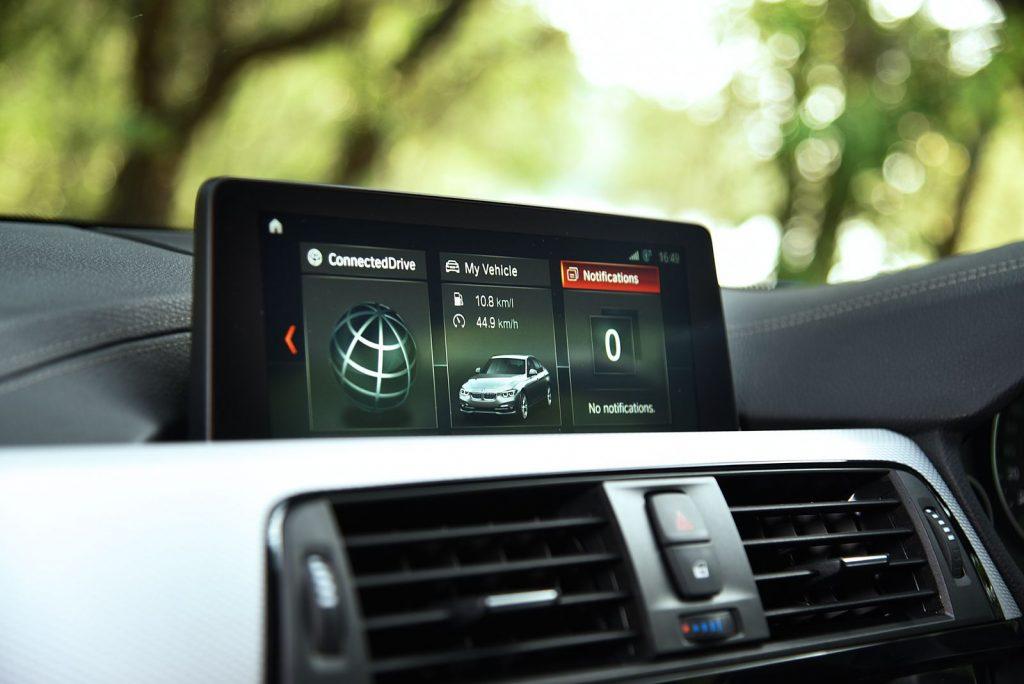 BMW 330e M sport 2018-4.jpg