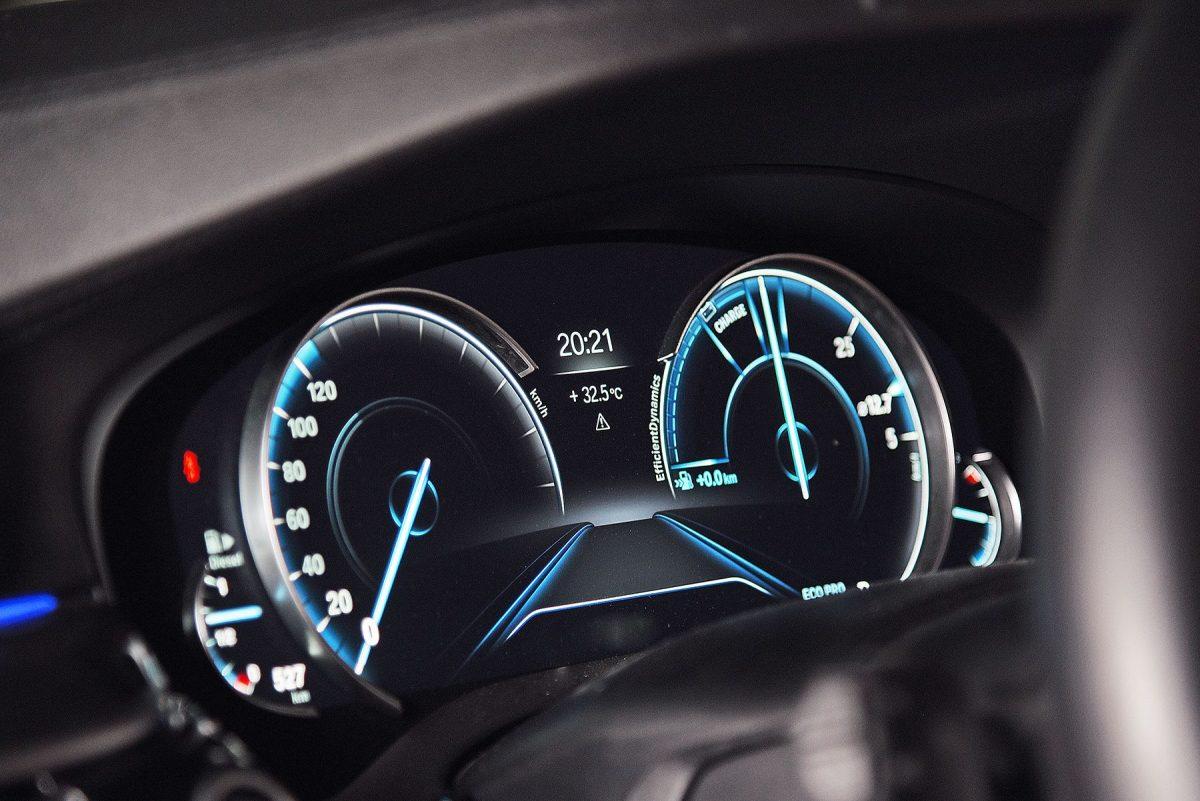 BMW 520d Sport-g30-3.jpg