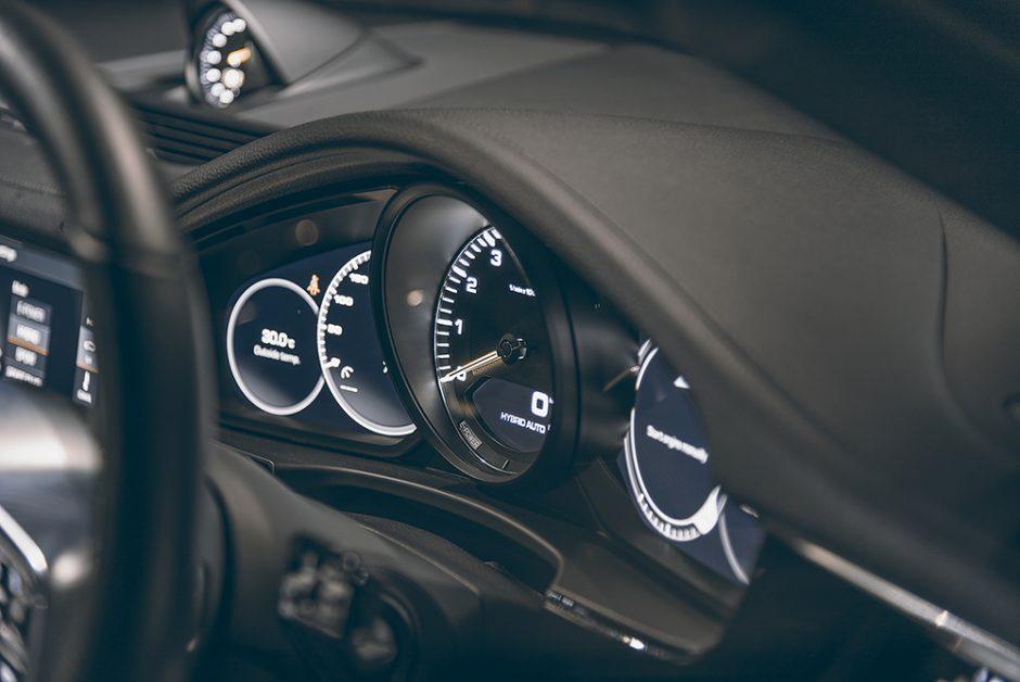 รีวิวทดสอบรถPorsche Panamera-4 E-Hybrid Sport Turismo-12.jpg