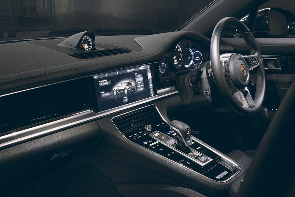 รีวิวทดสอบรถPorsche Panamera-4 E-Hybrid Sport Turismo-11.jpg