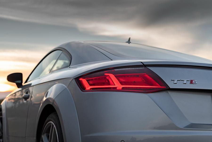 Audi TTS Coupe-ยนตรกรรมสปอร์ต-จากเยอรมัน-17.jpg