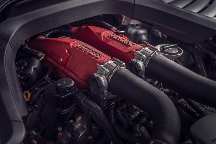 รีวิวทดสอบรถ Ferrari GTC4Lusso T-12.jpg
