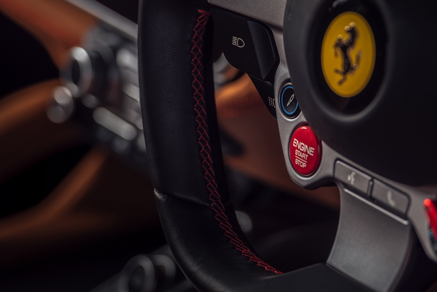 รีวิวทดสอบรถ Ferrari GTC4Lusso T-16.jpg