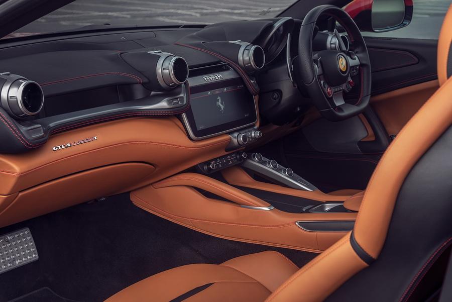 รีวิวทดสอบรถ Ferrari GTC4Lusso T-13.jpg