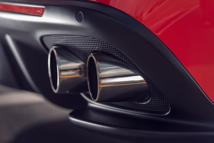 รีวิวทดสอบรถ Ferrari GTC4Lusso T-10.jpg