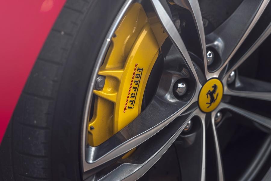 รีวิวทดสอบรถ Ferrari GTC4Lusso T-9.jpg