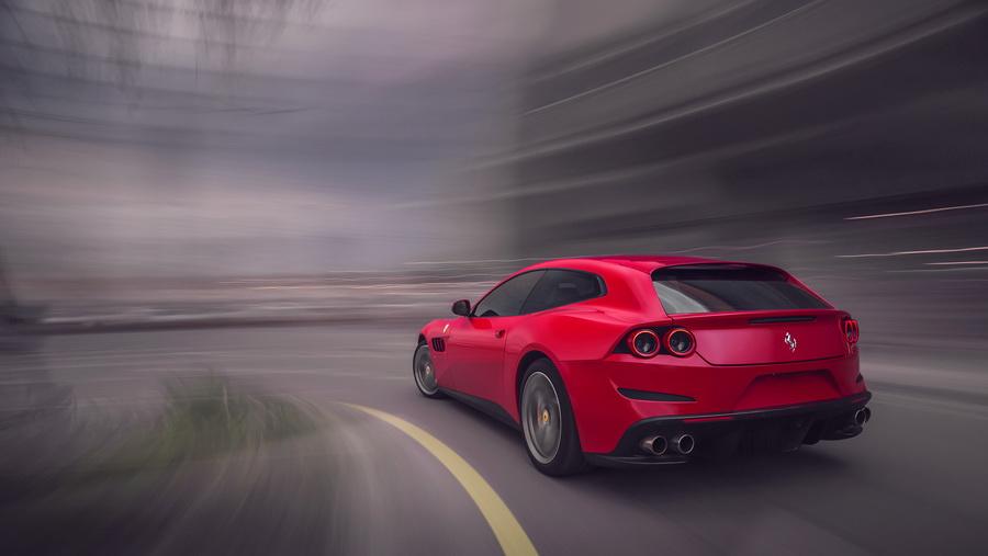 รีวิวทดสอบรถ Ferrari GTC4Lusso T-3.jpg
