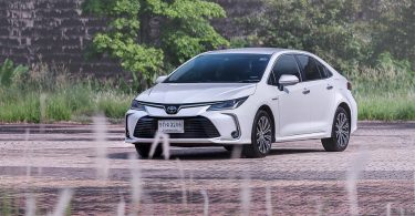 All-New Toyota Corolla Altis Hybrid