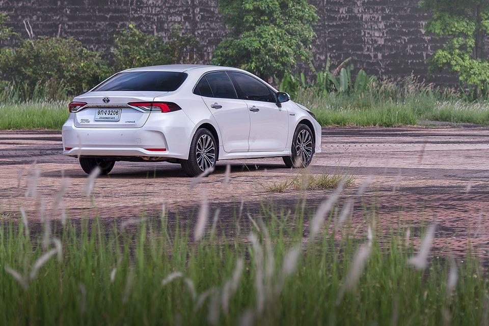 Toyota Altis Hybrid