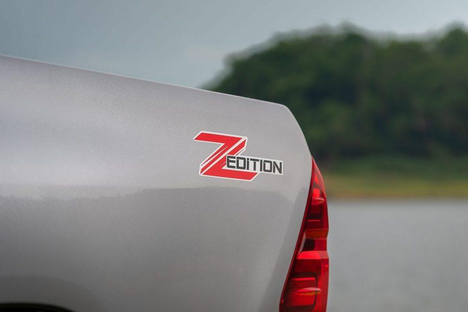 Toyota Hilux Revo Double Cab Z Edition 4x2 2.4 Mid (RazerPackage)