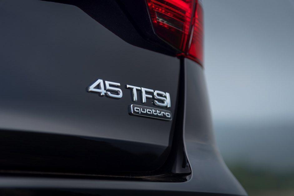 Audi A4 Avant 45 TFSI quattro S-Line Black Edition